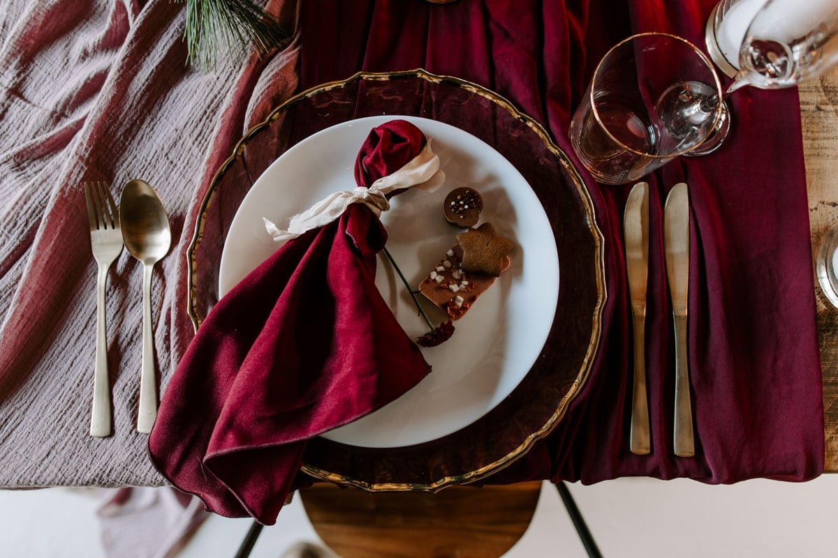 Christmas-Wedding-Place-Setting