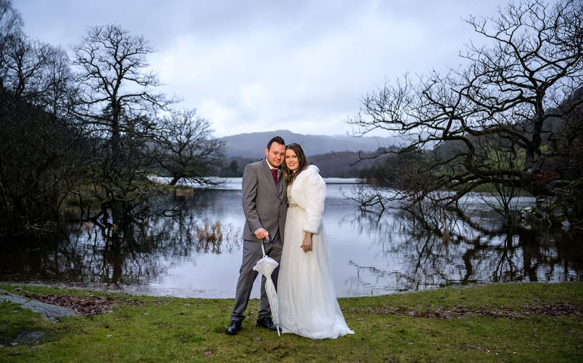 December-Wedding-in-the-Lake-District