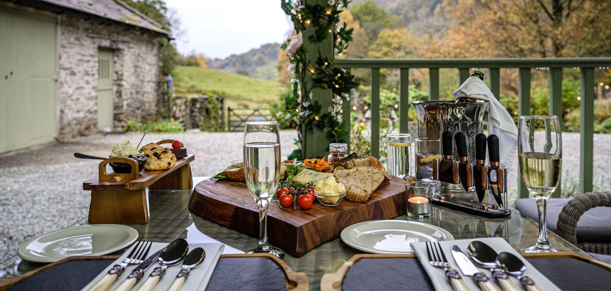 Outdoor wedding picnic for two