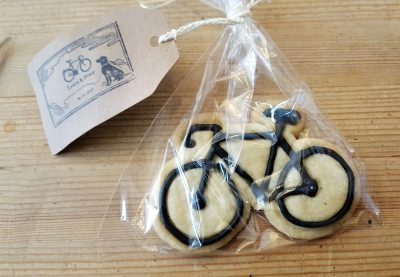 Bike-Biscuit-wedding-favours